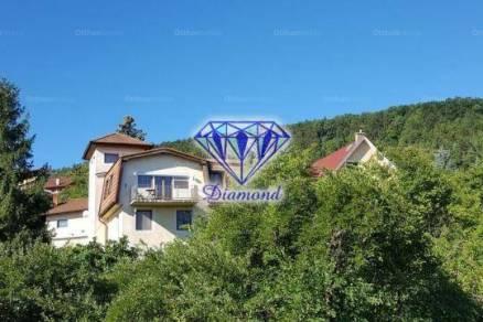 Budapest 6 szobás családi ház kiadó, Csillaghegyen