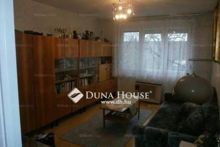 Egeri lakás eladó, 65 négyzetméteres, 2+1 szobás