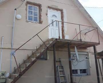 Családi ház eladó Hajdúsámson, a Kossuth úton, 140 négyzetméteres