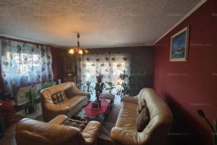 Debreceni eladó családi ház, 1+2 szobás, 75 négyzetméteres