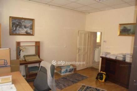 Családi ház eladó Hatvan, a Bajcsy-Zsilinszky úton, 91 négyzetméteres