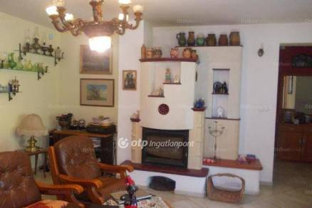 Balatonalmádi családi ház eladó, 3+4 szobás