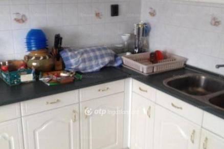 Eladó 6 szobás családi ház Debrecen