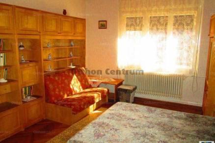 Balatonboglári családi ház eladó, 140 négyzetméteres, 5 szobás