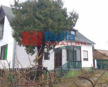 Dunaújváros eladó családi ház a Móricz Zsigmond utcában