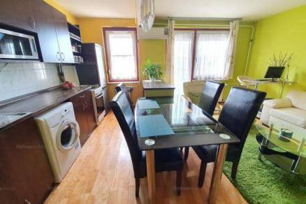Eladó, Budapest, 1+2 szobás