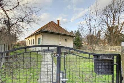 Csongrádi eladó családi ház, 3 szobás, 108 négyzetméteres
