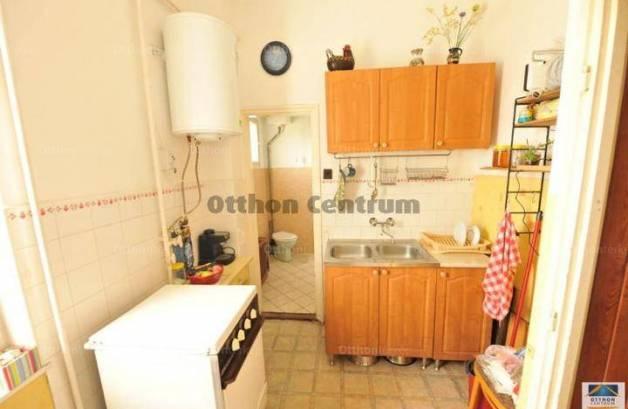 Eladó lakás, Pécel, 2 szobás