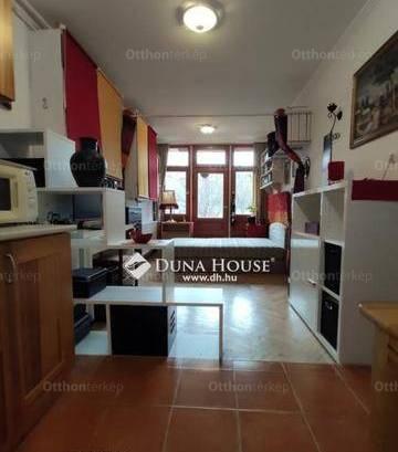 Eladó lakás, Pécs, 2 szobás