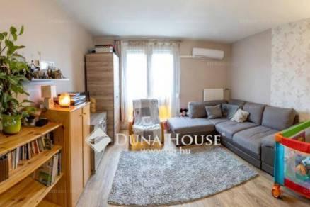 Pécs 1+1 szobás lakás eladó a Gosztonyi Gyula utcában