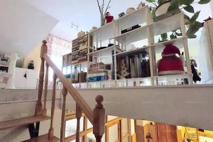 Eladó 3+2 szobás családi ház Angyalföldön, Budapest, Nővér utca