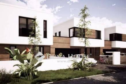 Debreceni új építésű családi ház eladó, 130 négyzetméteres, 3 szobás