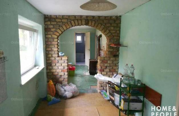 Eladó családi ház, Kistelek, 2 szobás