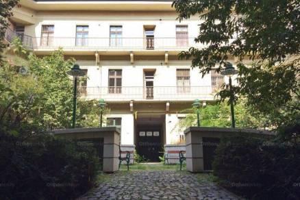 Szeged eladó lakás a Széchenyi téren