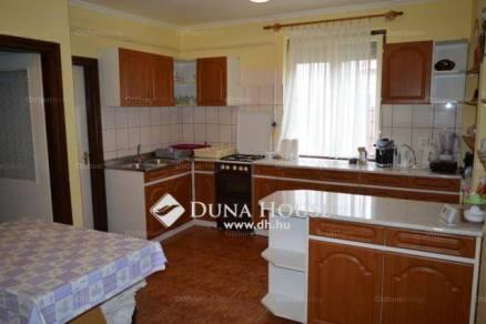 Eladó családi ház Hajdúszoboszló, 7+1 szobás