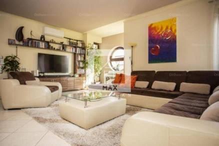 Eladó 6+6 szobás családi ház Budaörs