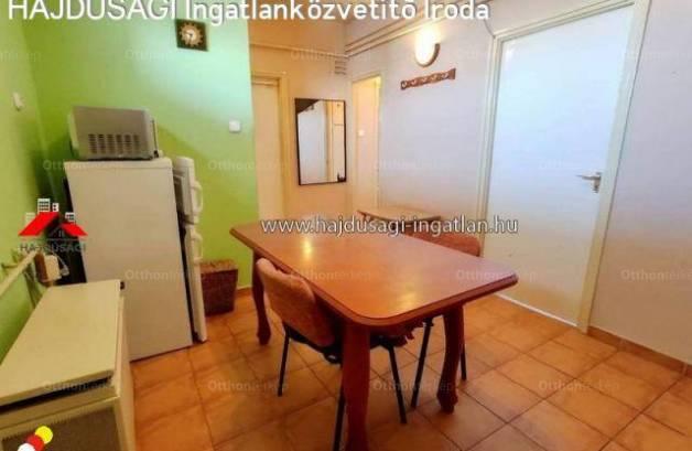 Debrecen 2 szobás lakás eladó