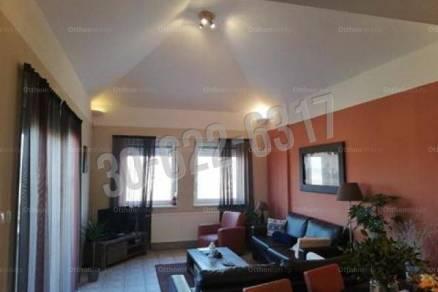 Komáromi kiadó lakás, 4 szobás, 120 négyzetméteres