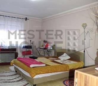 Debreceni házrész eladó, 51 négyzetméteres, 1+1 szobás