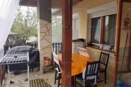 Eladó családi ház Pannonhalma, 3 szobás
