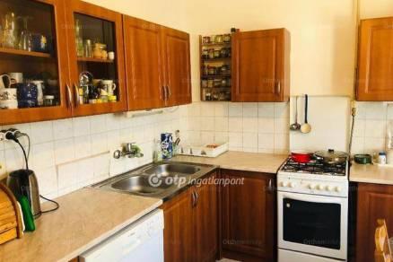 Abdai családi ház eladó, 140 négyzetméteres