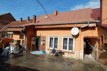 Kaposvári eladó családi ház, 3 szobás, 140 négyzetméteres