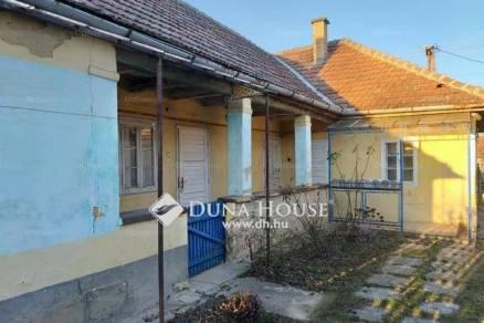 Dány családi ház eladó, Piac tér, 2+1 szobás