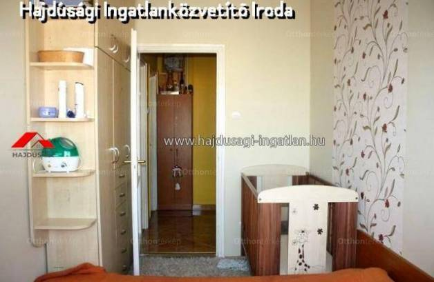 Debreceni eladó lakás, 1+2 szobás, 63 négyzetméteres