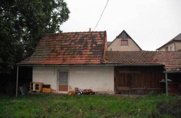 Gyöngyöstarján eladó családi ház