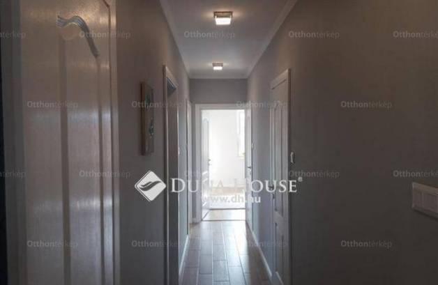 Eladó 2+2 szobás családi ház Siófok