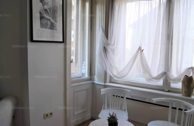 Eladó lakás Erzsébetvárosban, a Dohány utcában, 5 szobás