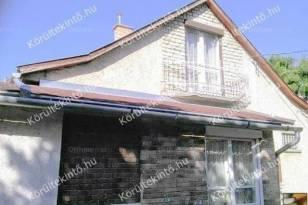 Budapesti családi ház eladó, 100 négyzetméteres, 3 szobás