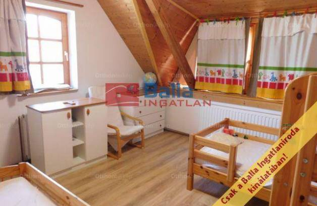 Fertőrákosi családi ház eladó, 114 négyzetméteres, 5+1 szobás