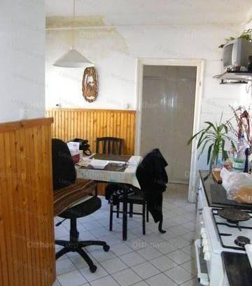 Siófoki eladó lakás, 3 szobás, 81 négyzetméteres