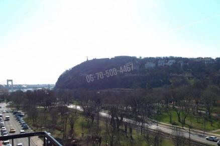 Budapest kiadó lakás Tabánban az Attila úton, 69 négyzetméteres