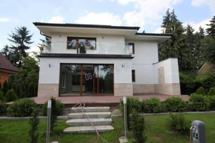 Eladó új építésű családi ház Máriaremetén, 6 szobás