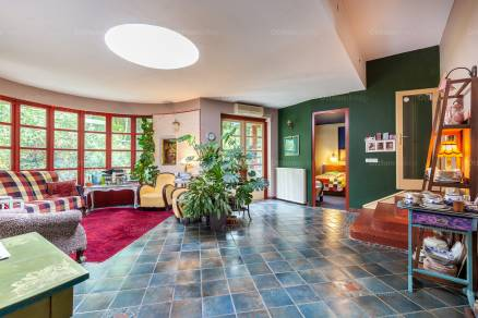 Eladó 6+2 szobás családi ház Csobánka