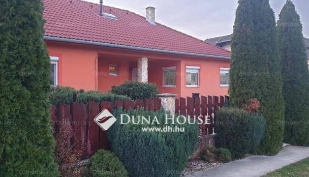 Eladó családi ház Keszü, Zrínyi Miklós út, 4+2 szobás