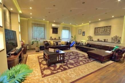 Eladó családi ház, Kecskemét, 7 szobás