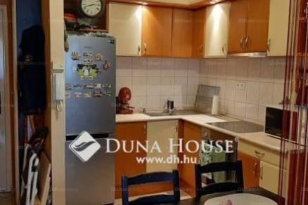 Kistarcsa 1+1 szobás lakás eladó a Vereckei utcában