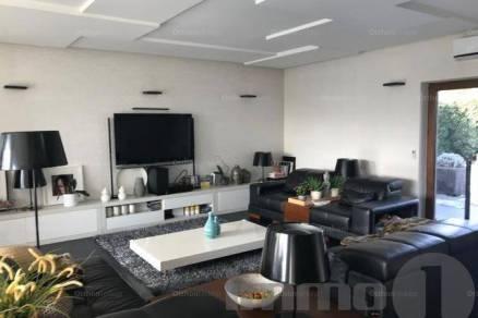 Érdi családi ház eladó, 180 négyzetméteres, 2+1 szobás