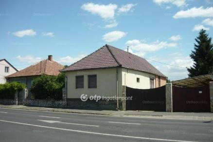 Miskolci családi ház eladó, 100 négyzetméteres, 3+1 szobás