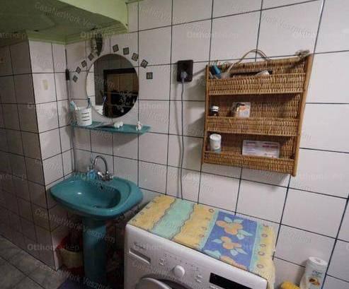 Eladó 1+2 szobás ikerház Szentgál