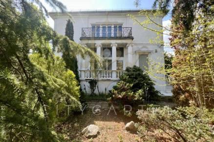 Budapesti családi ház eladó, Rózsadomb, 14+1 szobás