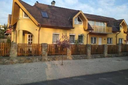 Fonyód új építésű családi ház eladó, 8 szobás