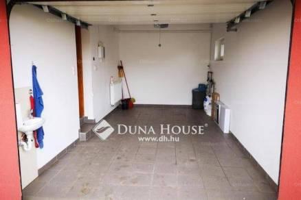 Eladó 2+2 szobás családi ház Pécs a Benke dűlőn