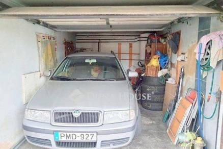 Pécsi eladó családi ház, 4 szobás