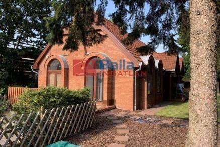 Budapest eladó családi ház Adyligeten a Szent István utcában, 186 négyzetméteres