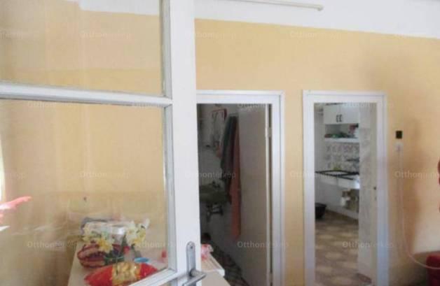 Eladó családi ház Pusztaföldvár, 2 szobás