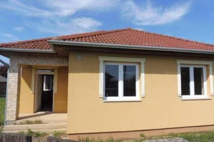Nyíregyháza családi ház eladó, Tagló utca, 2+2 szobás